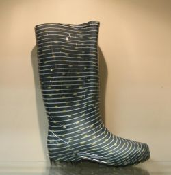 58. Rubber boots p.36,38,40