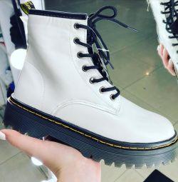 Boots 'Martins'de% 70'e varan indirimler