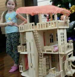Puppet mansion