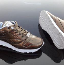 Noile pantofi Reebok 36-39
