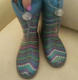 Καουτσούκ μπότες, ζεστό