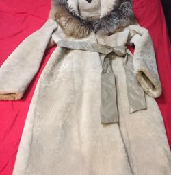 Mouton coat with fox fur