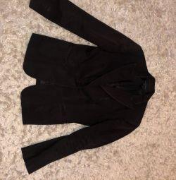 Продам модный. пиджак на подкладке