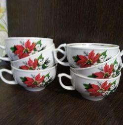 Tea cups, mugs