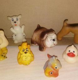 Jucării mici din cauciuc