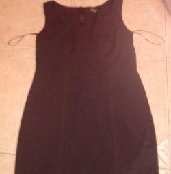 Μικρό μαύρο φόρεμα νέο