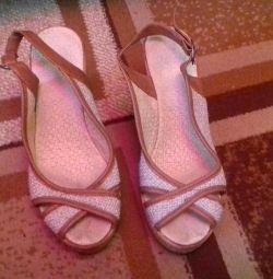 Sandale pe o pană, p.38, îmbrăcată de 2 ori)