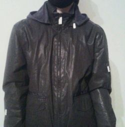Το σακάκι ζεσταίνεται καινούριο με κουκούλα DKNY