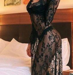 Новый красивый пеньюар - халат сорочка платье