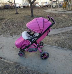 Прогулрчная коляска liko baby.