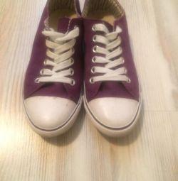 Spor ayakkabı N & M yeni, tekstil, mor bordo
