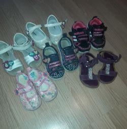 Παπούτσια μεγέθους 19-20