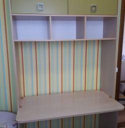 Детский стол-шкаф