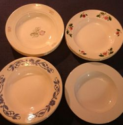 Deep and shallow dining plates