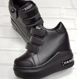 Стильные кроссы
