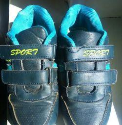 Spor ayakkabı 31