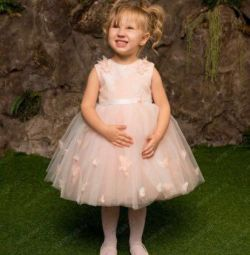 Puffy dress for the little princess ?White color