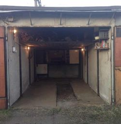 Garage for rent for long term