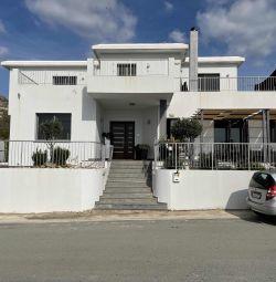 Villa house in Agia Marinouda