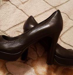 Туфли женские кож.размер 34.