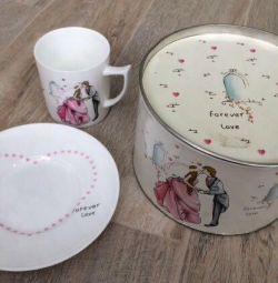 Подарунковий дитячий набір посуду для дівчинки