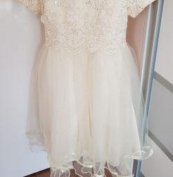 Dress elegant for the girl