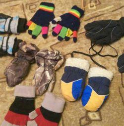 Рукавички і рукавиці дитячі
