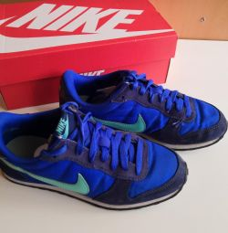 Nike spor ayakkabı orijinal