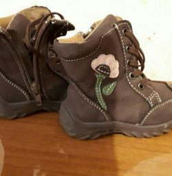 Kız botları sonbahar