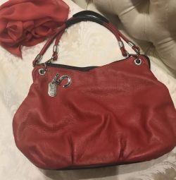 Красная сумка кожа