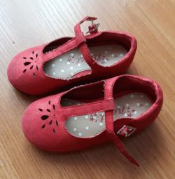 Shoes for a girl 1-2 years