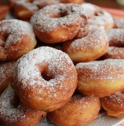 1000 ruble / kg sakızlı kekler