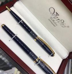 Ένα σετ στυλό