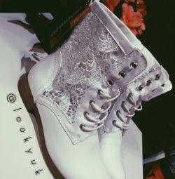 Μισό μπότες για νέες
