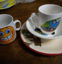 Children's tableware.