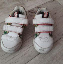 Кросівки adidas 26 розмір