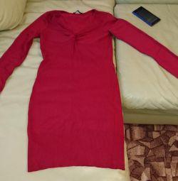 Μαντέψτε το ζεστό φόρεμα