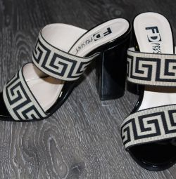 New F.Donni clogs, size 36