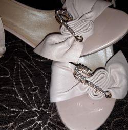 Sandalet Aşk Hikayesi
