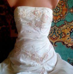 Wedding dress brand