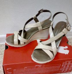 Sandals, 37