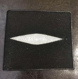 Δερμάτινο πορτοφόλι. ΝΕΟ !!!