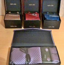 Silk tie, cufflinks, tie clip set
