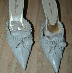 Sandale. Nat.kozha