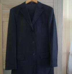 Sell men's suit bought in Italy