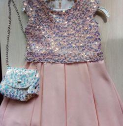 Rochie foarte frumoasa.