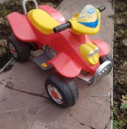 Квадроцикл. 1,5 - 5 лет.