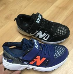 Sneakers summer new. Sizes are different
