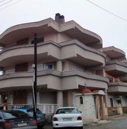 Α διαμέρισμα 2ου ορόφου (Νο3), με μια επιφάνεια 54.