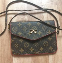 Клатч Louis Vuitton